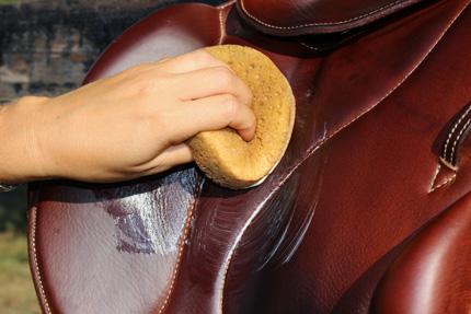entretien selle de cheval
